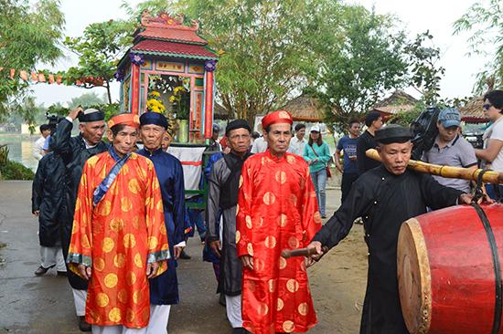 Nhiều lễ hội văn hóa ở khu vực Trung Bộ trở thành sự kiện thu hút đông đảo sự quan tâm của du khách.  Ảnh: Q.TUẤN
