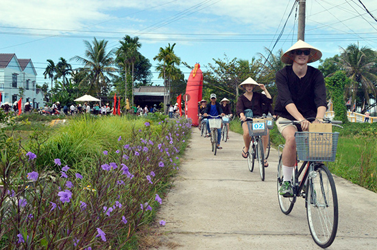 Du lịch Quảng Nam đang hướng đến sự phát triển văn minh, bền vững.  Ảnh: G.KHANG