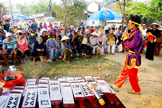 Performing Bai choi art