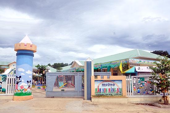 Trường Mầm non Măng Non là trường đầu tiên của miền núi đạt chuẩn mức 2. Ảnh: X.P