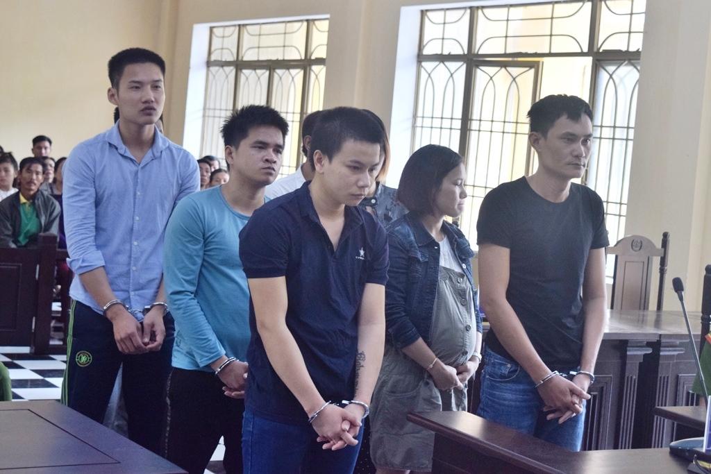 Các bị cáo tại tòa. Ảnh: N.C
