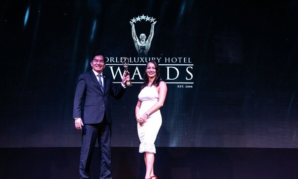 Mr. Tran Thai Do – Owner of the Silk Sense Hoi An River Resort at the awards ceremony