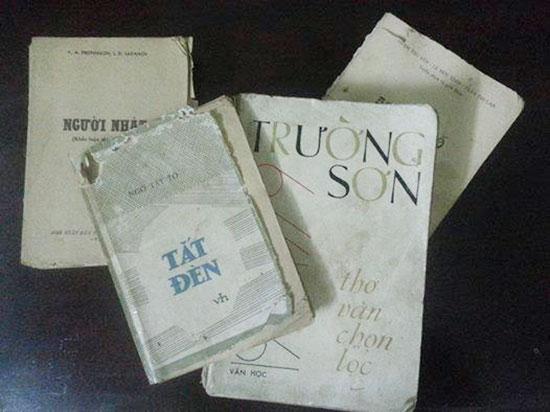 Những quyển sách cũ. Ảnh: L.T.A