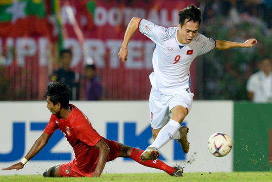 Văn Toàn vào sân từ ghế dự bị đã thi đấu khá hay trong trận gặp Myanmar. Ảnh: Internet