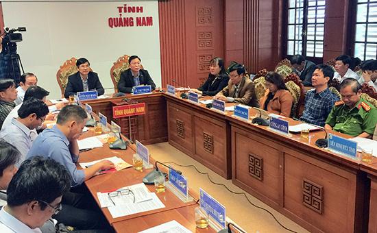 Tham dự tại điểm cầu Quảng Nam có Bí thư Tỉnh ủy Nguyễn Ngọc Quang và Phó Chủ tịch UBND tỉnh Lê Trí Thanh. Ảnh: VĂN SỰ