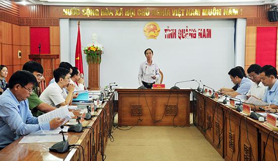 Thường trực HĐND tỉnh làm việc với Sở Nội vụ để nghe, góp ý vào các dự thảo trình Kỳ họp thứ 9 HĐND tỉnh. Ảnh: N.Đ