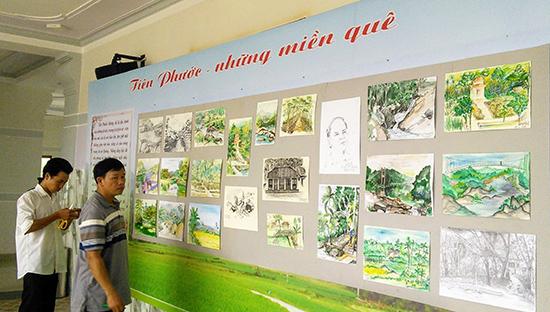Chi hội Mỹ thuật Quảng Nam trưng bày báo cáo tác phẩm thực họa sau chuyến đi thực tế tại Tiên Phước. Ảnh: B.A