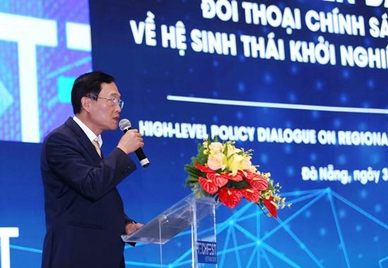 Thứ trưởng Bộ KH&CN Trần Văn Tùng phát biểu tại phiên hội thảo chuyên đề 2