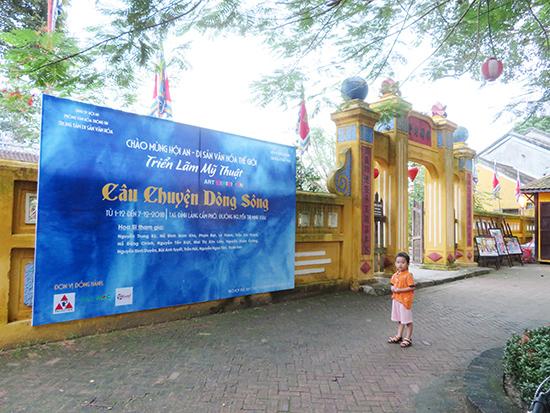 Triển lãm Câu chuyện dòng sông diễn ra tại đình Cẩm Phô, Hội An.