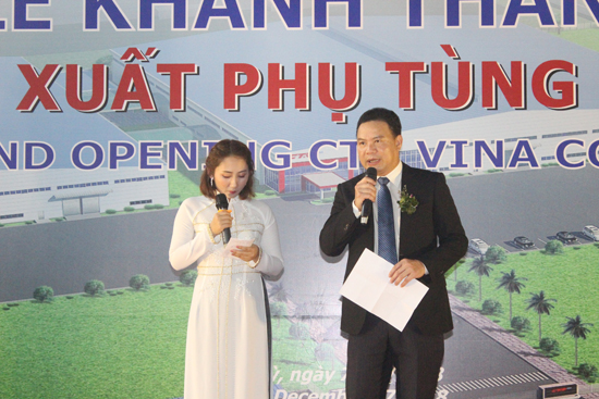 Vice-chairman of the Quang Nam provincial Peple's Committee Le Van Thanh gives a speech at the event.