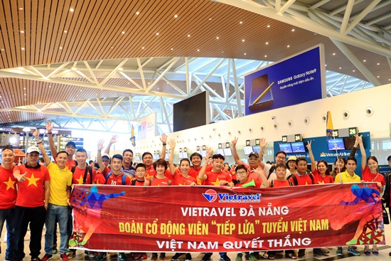 Vietravel tổ chức cho cổ động viên Việt Na sang Malaysia cổ vũ đội tuyển bóng đá Việt Nam
