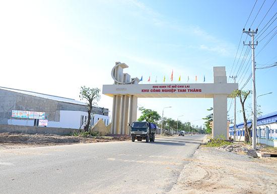 Khu công nghiệp Tam Thăng thu hút nhiều doanh nghiệp lớn đến đầu tư, đặc biệt là các doanh nghiệp dệt may FDI.