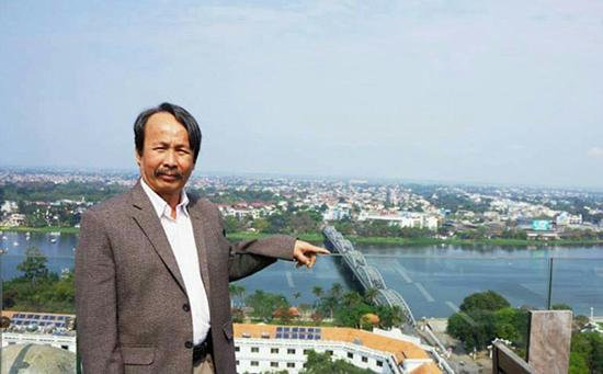 Nhà giáo Phạm Phú Phong.