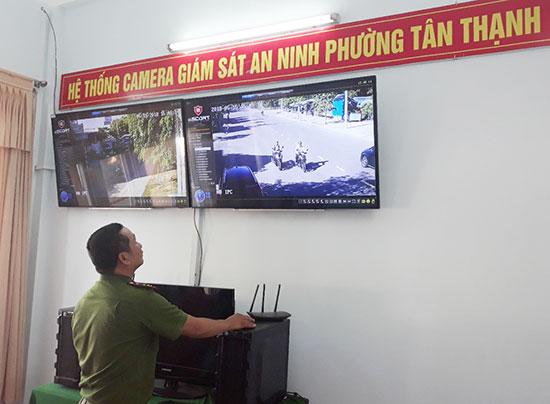 Hệ thống camera an ninh ở phường Tân Thạnh phát huy hiệu quả cao trong đấu tranh phòng chống tội phạm. Ảnh: P.N