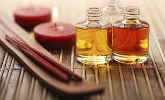 Tinh dầu gừng, tinh dầu quế là sản phẩm yêu thích của một số chị em