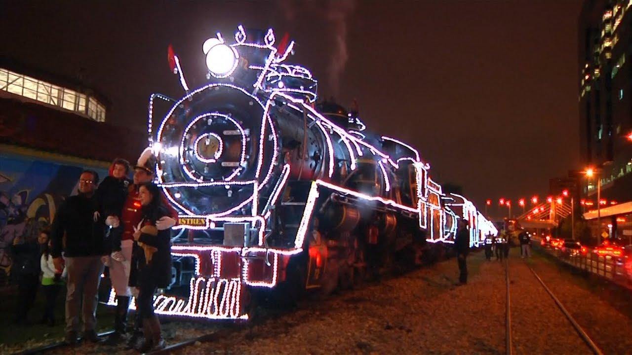 Cứ vào dịp noel, những đoàn tàu Giáng sinh lại xuất hiện tại Columbia. Mỗi chuyễn tàu có thể chuyên chở 600 hành khách, chủ yếu khách du lịch, tạo nên mùa Giáng sinh vô cũng ấm áp. Trên tàu, hành khách sẽ được gặp và có thể nhận được quà từ ông già Noel