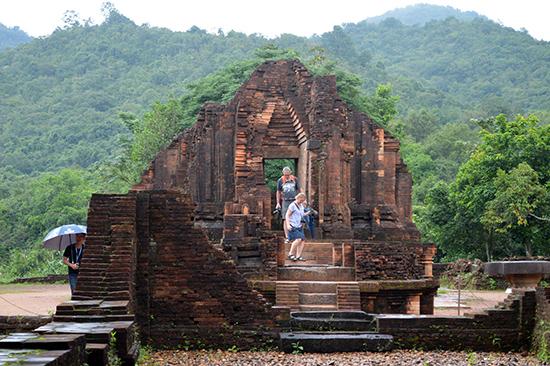 Dự án bảo tồn trùng tu nhóm tháp G đã xác lập một giải pháp trùng tu mới cho các đền tháp Chăm Việt Nam.Ảnh: V.L