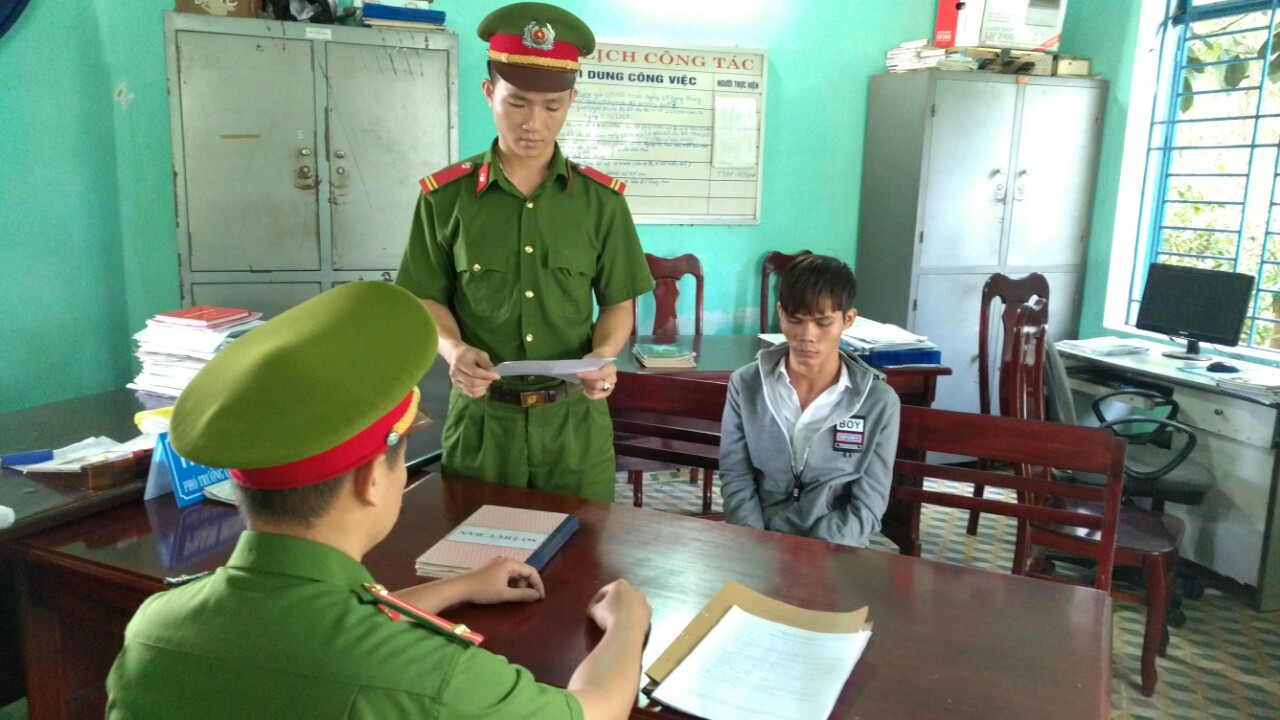 Lấy lời khai Nguyễn Văn Phước.