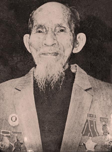 Di ảnh ông Lê Thám.