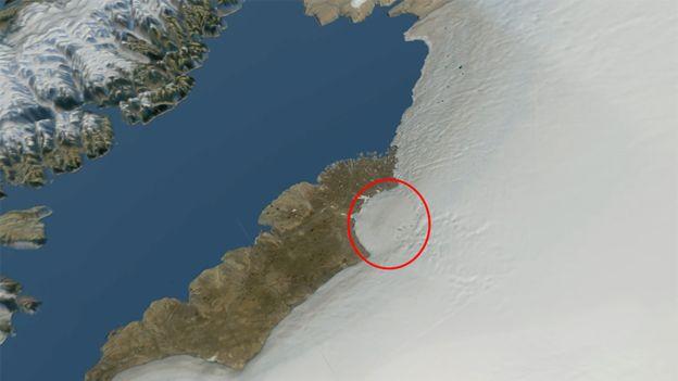 phát hiện hố thiên thạch rộng 31km dưới sông băng Greenland. Ảnh: NATURAL HISTORY MUSEUM OF DENMARK