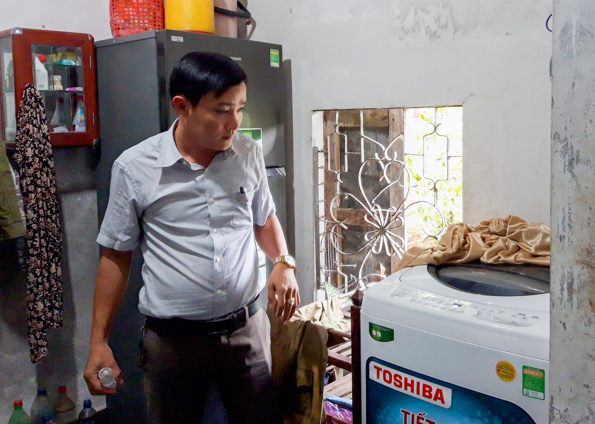 Các thiết bị trong gia đình không thể sử dụng được vì thiếu nước. Ảnh: QUÂN -  THẮNG