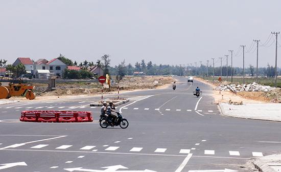 Tuyến đường ven biển từ Hội An đi Đà Nẵng vừa được hoàn thiện.