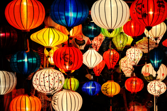 Hoi An colourful and sparkling lanterns