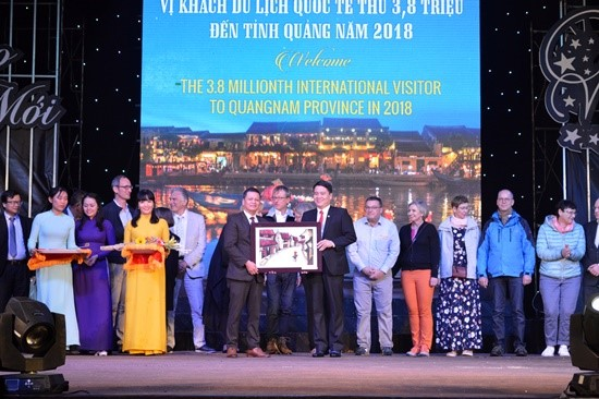Saigontourist travel agency is honoured at the event.