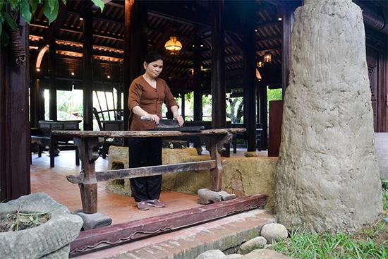 Một số hiện vật tại Bảo tàng ẩm thực và Dinh trấn Mỳ Quảng tại Vinahouse.