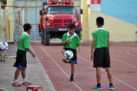 Bóng đá trẻ Quảng Nam đang được tỉnh và CLB quan tâm đầu tư mạnh hơn. Ảnh: T.V