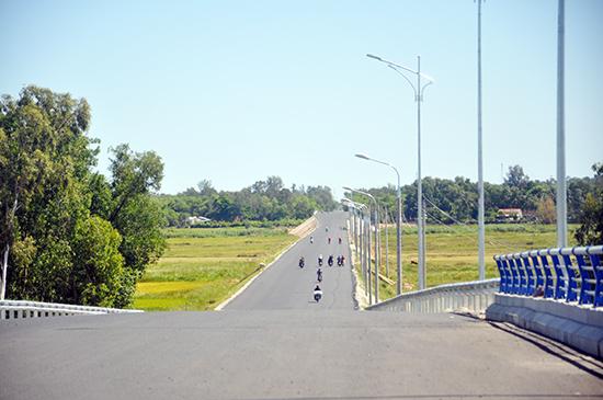 Tuyến đường Điện Biên Phủ vừa hoàn thành năm 2018 có thể cản dòng thoát lũ. Ảnh: X.P