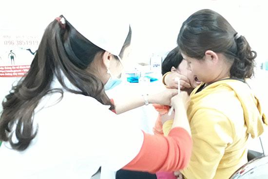 Bệnh sởi có thể phòng bằng cách tiêm vắc xin. Ảnh: C.N