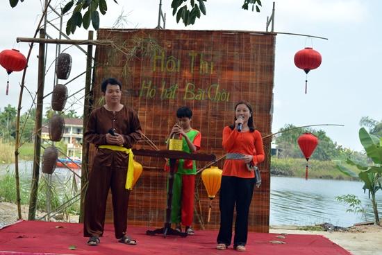 Nhiều hoạt động văn hóa dân gian được tổ chức trong lễ hội