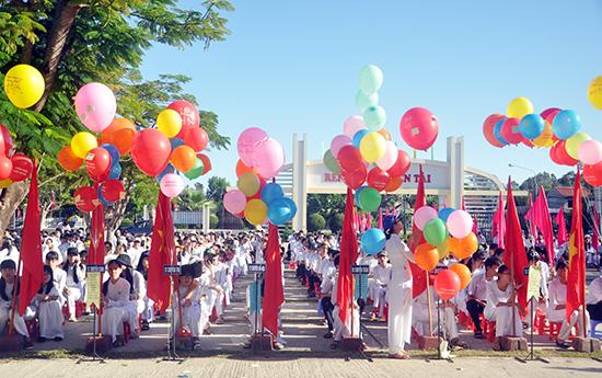 Trường THPT chuyên Nguyễn Bỉnh Khiêm vẫn là đầu tàu HS giỏi của tỉnh. Ảnh: X.P