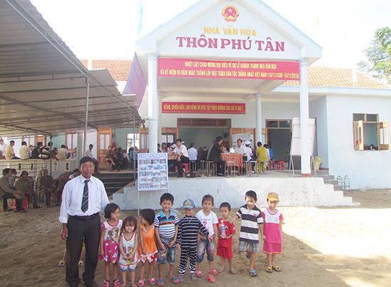 Một thôn được sáp nhập ở xã Tam Xuân 1. Ảnh: VĂN PHIN
