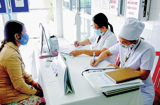 Việc áp dụng bệnh án điện tử sẽ giảm khá nhiều thời gian và chi phí khám chữa bệnh. Ảnh: PHƯƠNG THẢO