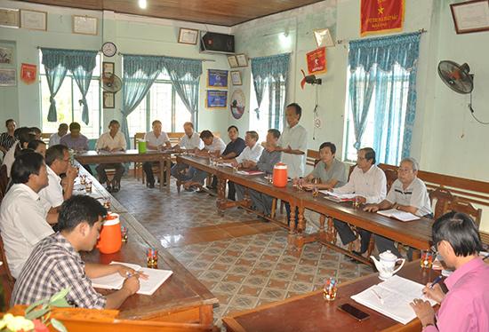 Đảng ủy thị trấn Trà My (huyện Bắc Trà My) họp giao ban với cán bộ tổ dân phố triển khai công tác chuẩn bị nhân sự sắp xếp tổ dân phố trên địa bàn.
