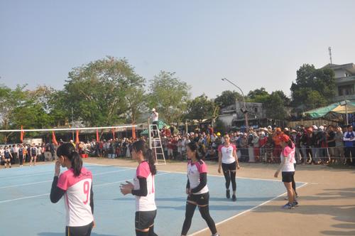 Lần đầu tiên tổ chức tại huyện Tiên Phước đã thu hút khán giả khá đông khán giả. Ảnh: T.V