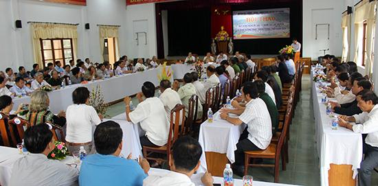 Tây Giang tổ chức hội thảo lấy ý kiến xây dựng Tây Giang giai đoạn mới. Ảnh: ĐÌNH HIỆP