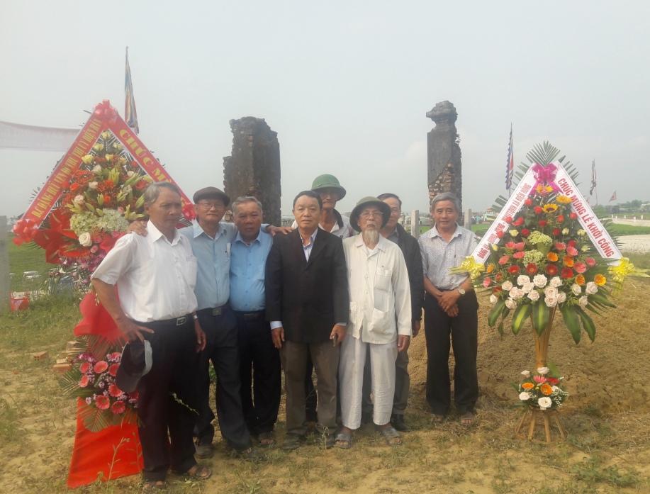 ban vận động xây dựng lại đình làng Giáo Ái trong ngày khởi công