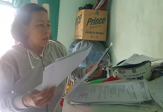 Bà Trương Thị Thiêm yêu cầu được xét lại chế độ khuyết tật cho bà vì bà thường xuyên đau ốm. Ảnh: L.D