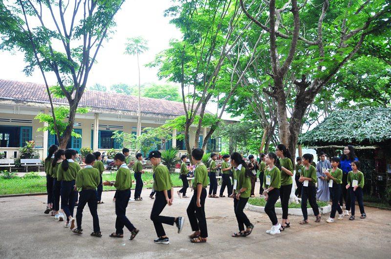 Học sinh Trường THCS Lương Thế Vinh (xã Tam Thành) sinh hoạt hội trại. Ảnh: V,A
