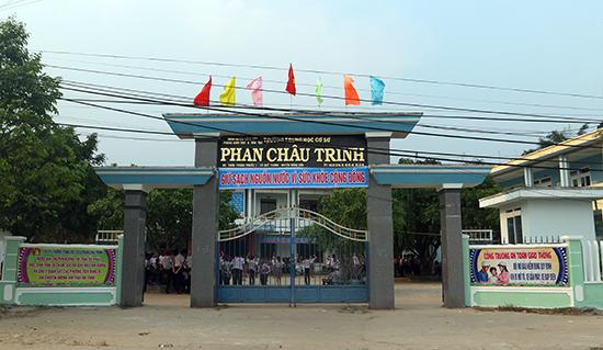 Cơ ngơi khang trang của Trường THCS Phan Châu Trinh, xã Quế Trung, huyện Nông Sơn. Ảnh: MẠC LY