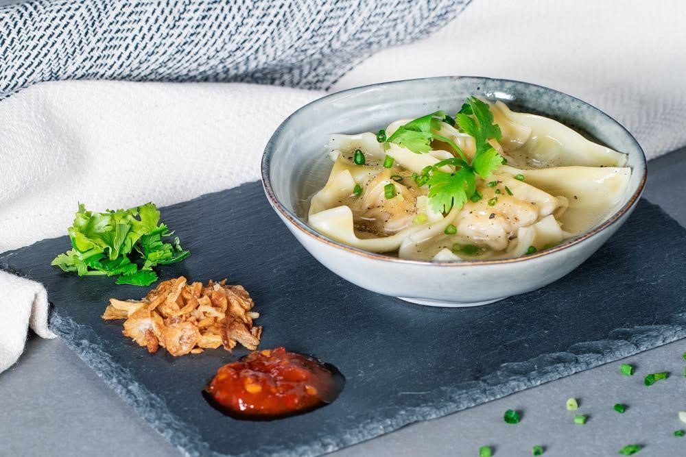 Mì Hoành Thánh (wonton soup). Photo: Trangtilmad