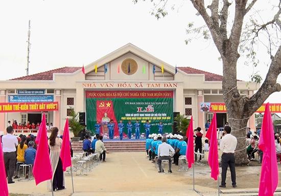Lễ công bố thành lập thôn mới tại xã Tam Đàn, huyện Phú Ninh. Ảnh: CTV