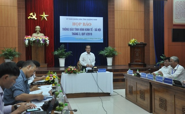 Vice Chairman Huynh Khanh Toan at the press conference on Quang Nam socio-economic situation in the 1st quarter of 2019 held on April 1st