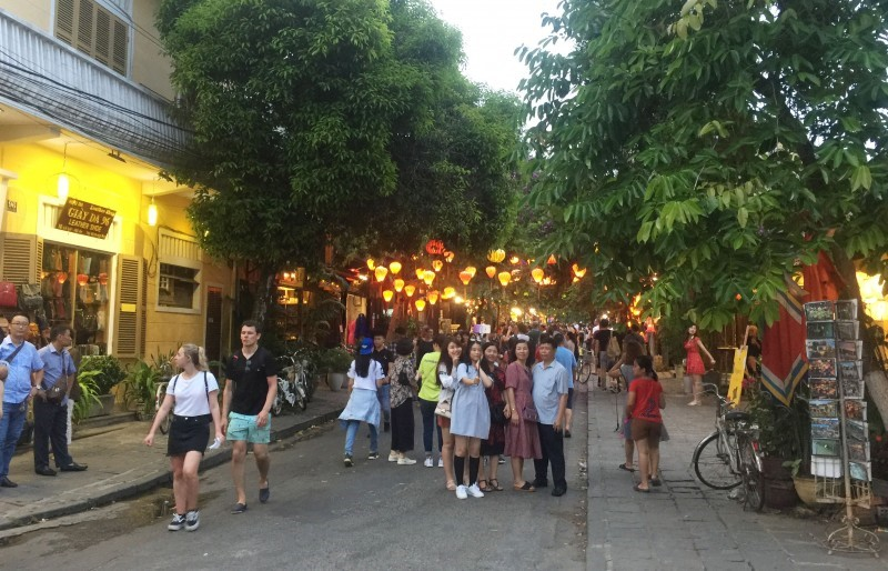 Hoi An streets in the late afternoon.
