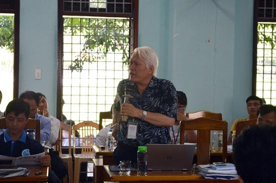 Participants at the seminar.