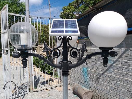 A solar lamp post made by Pham Phu Hien.