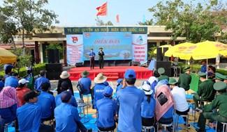 Ngày hội ĐVTN với biển đảo quê hương tại Hội An. Ảnh: L.C